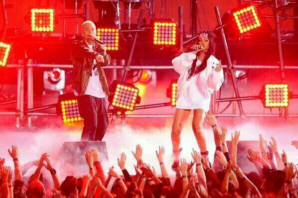 Eminem, Rihanna, The Monster, live, Mtv Movie Awards, Mark Wahlberg