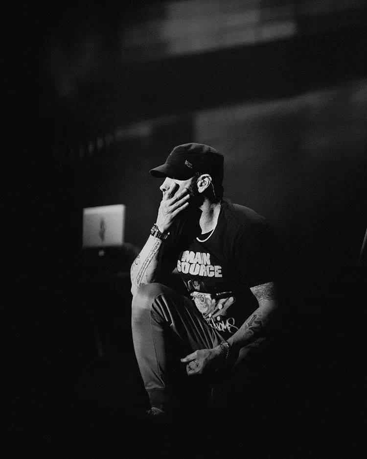 Kamikaze di Eminem risale in classifica in Italia nella terza settimana di vendite