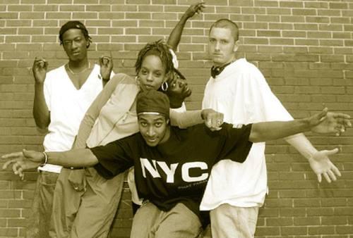 Young Zee e Pacewon, membri degli Outsidaz, rispondono a Eminem