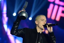 eminem billboard music awards, eminem winning billboard awards, eminem the marshall mathers lp 2