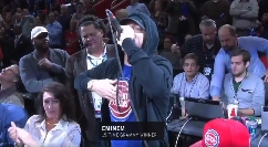 Eminem, nuove foto e video dalla partita dei Detroit Pistons