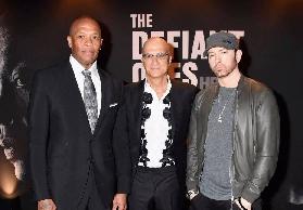 Impennata di vendite per gli album di Eminem dopo l´uscita di