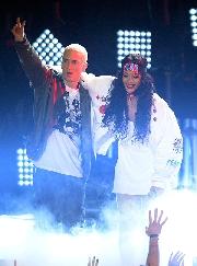 Eminem al centro dell´ennesima bufera: i suoi versi sull´aggressione di Chris Brown a Rihanna hanno fatto infuriare i fans